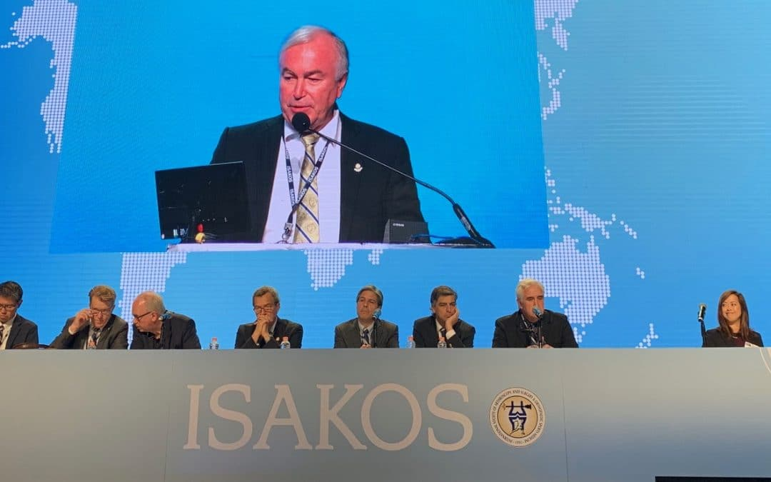Prof Philippe in Cancun during the ISAKOS Congress May 12-16, 2019, with all the executive Isakos board
